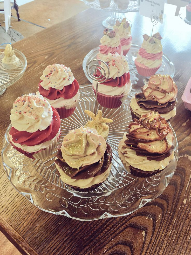 Gorgeous soap cupcakes - a gorgeous gift idea.