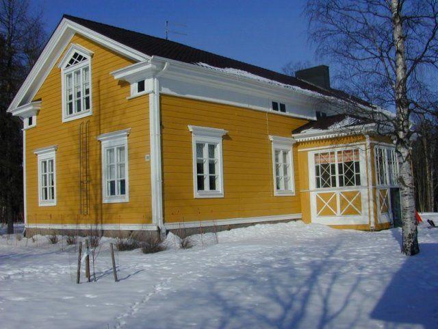 Kurikka, 1800-luvulla rakennettu talonpoikaistalo Säntintiellä.
