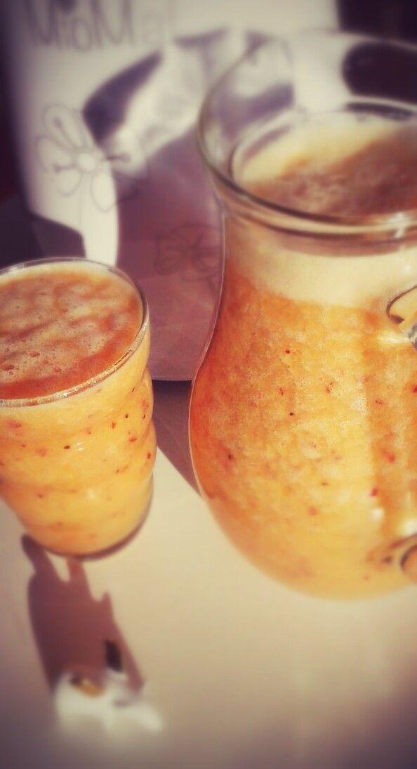 jugo de kiwi,naranja,pomelo y plátano con MioMat  wwww.miobio.cl