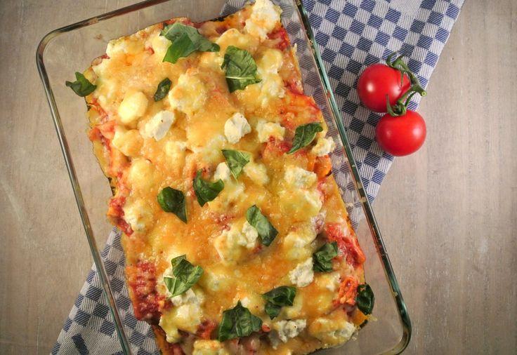 Dit recept voor lasagne uit de pan is echt ontzettend lekker, simpel te bereiden en ideaal om van te voren te bereiden!