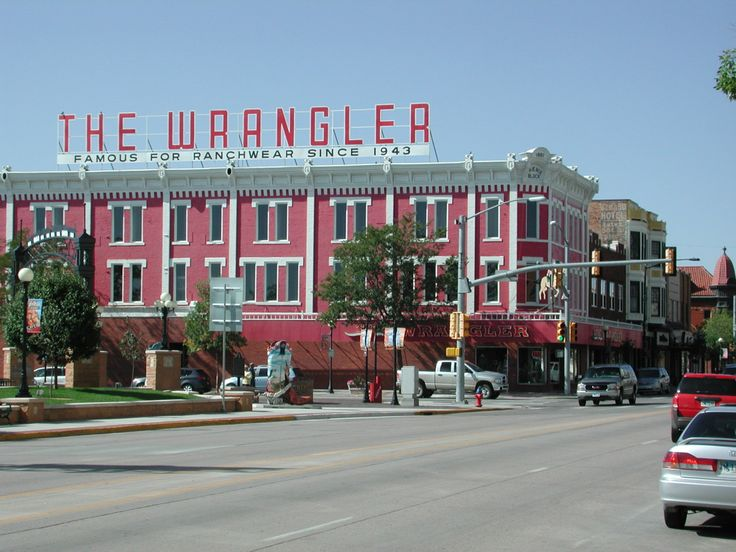 File:The Wrangler, Cheyenne, WY.jpg - Wikimedia Commons   3rd Grade Cheyenne Architecture/Landmarks