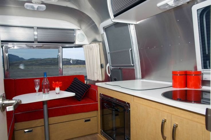 andrewsercombe airstream-bambi-interior