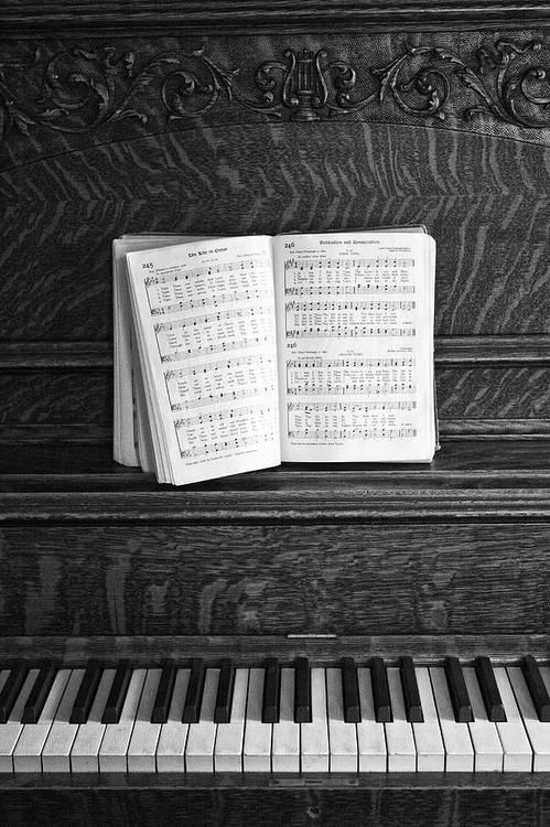 Oh my.  The memories this brings to me.  the untold hours sitting at the piano picking out hymns from a book just like this.