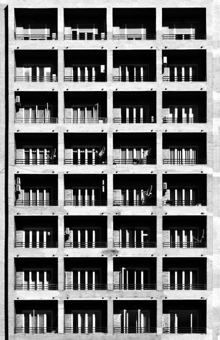 Bare raw architecture