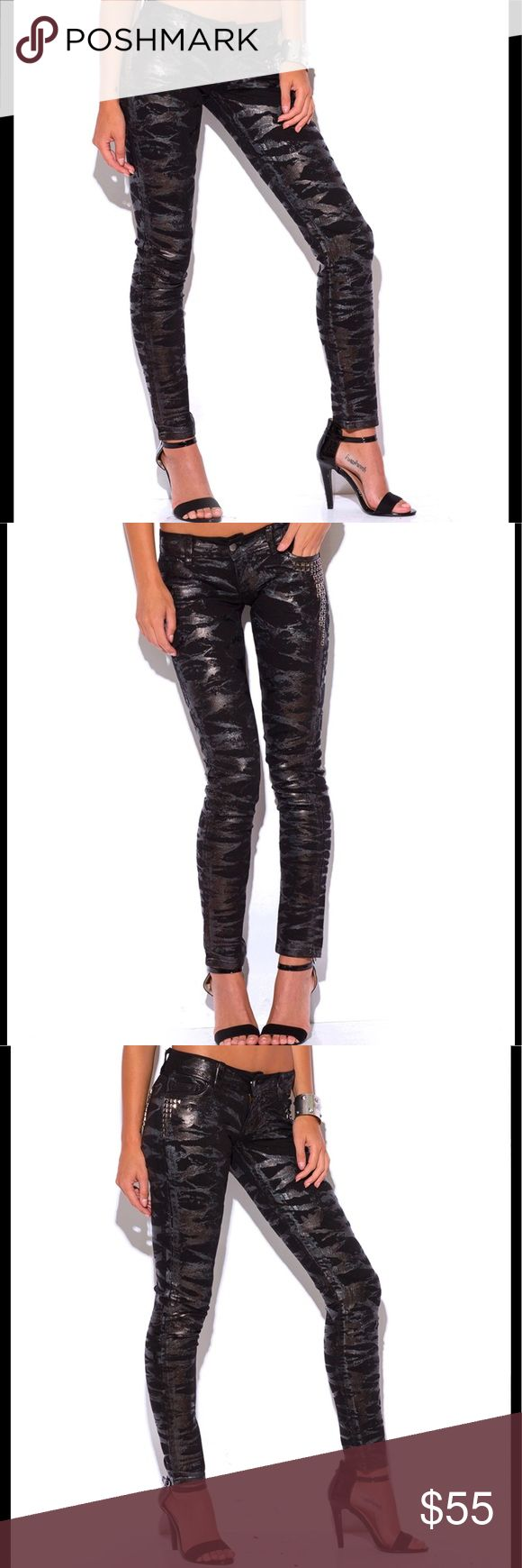 Metallic Jeans Unique Fashionable Denim These metallic jeans are not your average skinnies! These black skinny jeans feature metallic brushed in patterns and bejeweled in the perfect places😘 Go out dress up with a crop top or tuck in pair of booties and leather vest for fall. Great year around pair of jeans! Model is 5'9 made out of 98% Cotton, 2% Spandex. Made in the USA! 070420171475609 Jeans Skinny