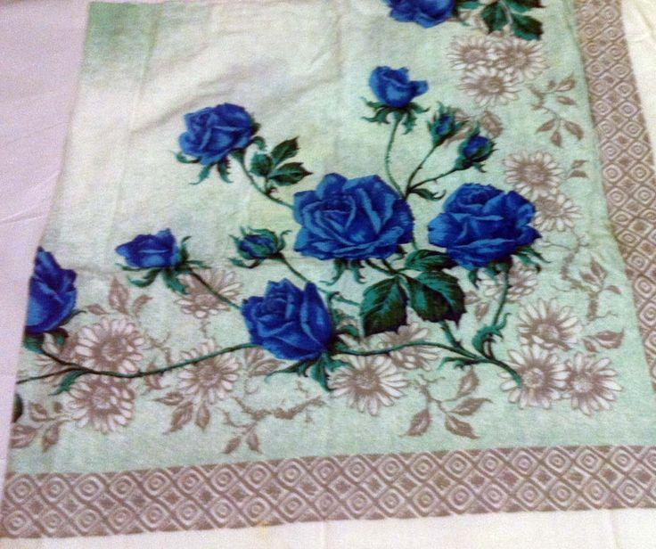 Medium size printed tablecloth