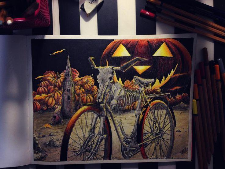 Для марафона #letscoloritmarathon Опоздала опять, и даже Хэллоуин уже прошёл. Но лучше поздно чем никогда! ☺️ И если честно, задолбалась я красить эти тыквы))) Сама нарисовала, сама задолбалась  #вокругсветанавелосипеде #раскраскадлявзрослых