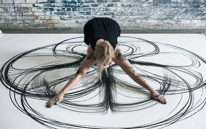 Heather Hansen – Painting with the body