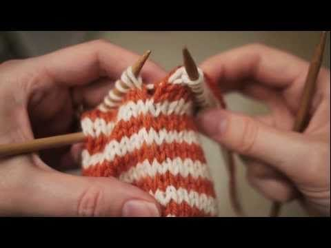 Really good tutorial on knitting striped items without obvious color changes - this is a great method and simple!