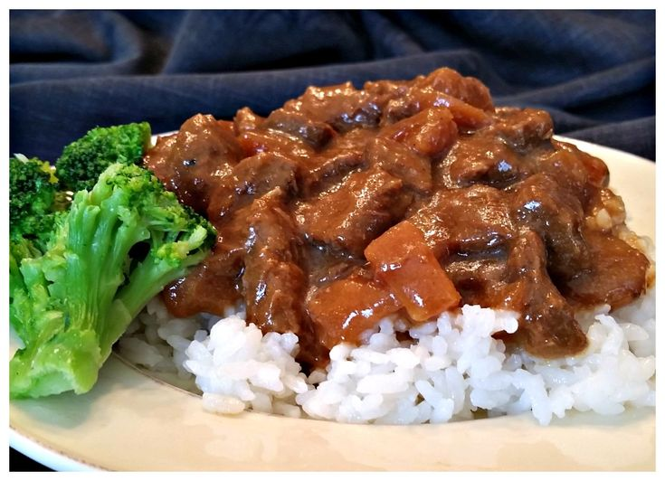 Here is a super simple recipe for Crock Pot Steak Teriyaki, that uses only 4 ingredients.
