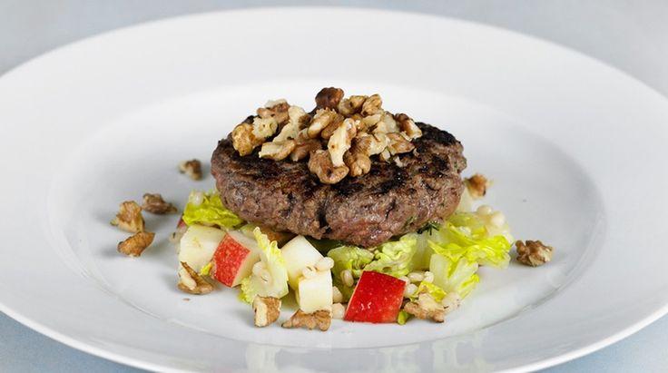 Hakkebøf med timian og perlebyg-salat