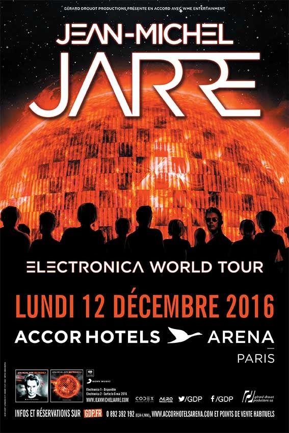 Jean-Michel Jarre commence son  Electronica World Tour qui va durer 2 ans