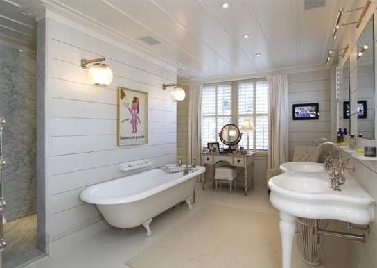 Love the size and details of this generous bathroom to for Bathroom ideas with shiplap