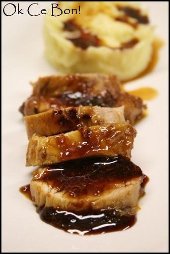 Un régal! Une viande très tendre qui fond en bouche recouvert d'un caramel à l'orange, hummmm! Ingrédients pour 3 ou 4 personnes: 1 filet mignon de porc de 400 g environ coupé en deux dans sa longueur 60 ml de sauce soja légère 120 g de sucre 1 cuillère...
