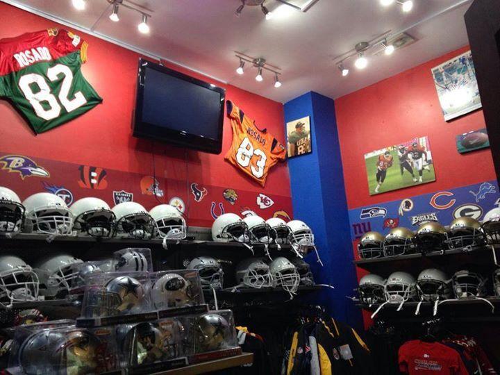 Conoce la tienda de Carlos Rosado Sports tienda oficial NFL y artículos de futbol americano.