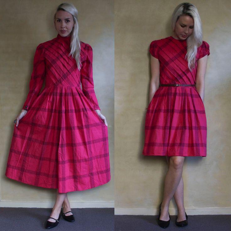 ⠀⠀Ladygirl Vintage: Pink Pleated Dress