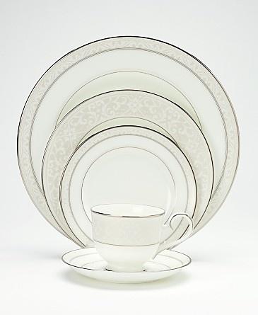Love this china pattern  sc 1 st  Pinterest & 396 best Wedding China/Dinnerware images on Pinterest   Dinner ...