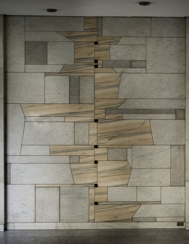 Bruno Munari – Mosaico (mosaic) of Corso Magenta 46, Milano (Italy)