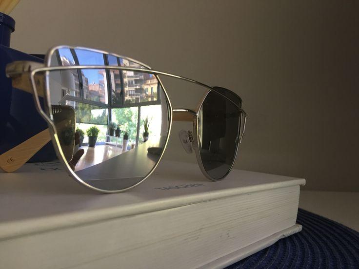 Radikalvip sunglasses with bamboo temple 100%UV 400 cat.3