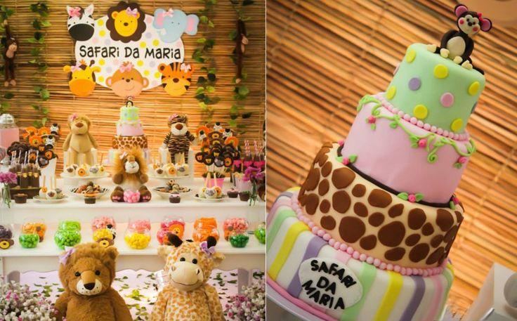 Na festa de safaria da Maria, as cores rosa, laranja e verde deram o tom da decoração, que ainda tem detalhes de estampas de oncinha e de zebra. (créditos: Pink Ateliê de Festas)