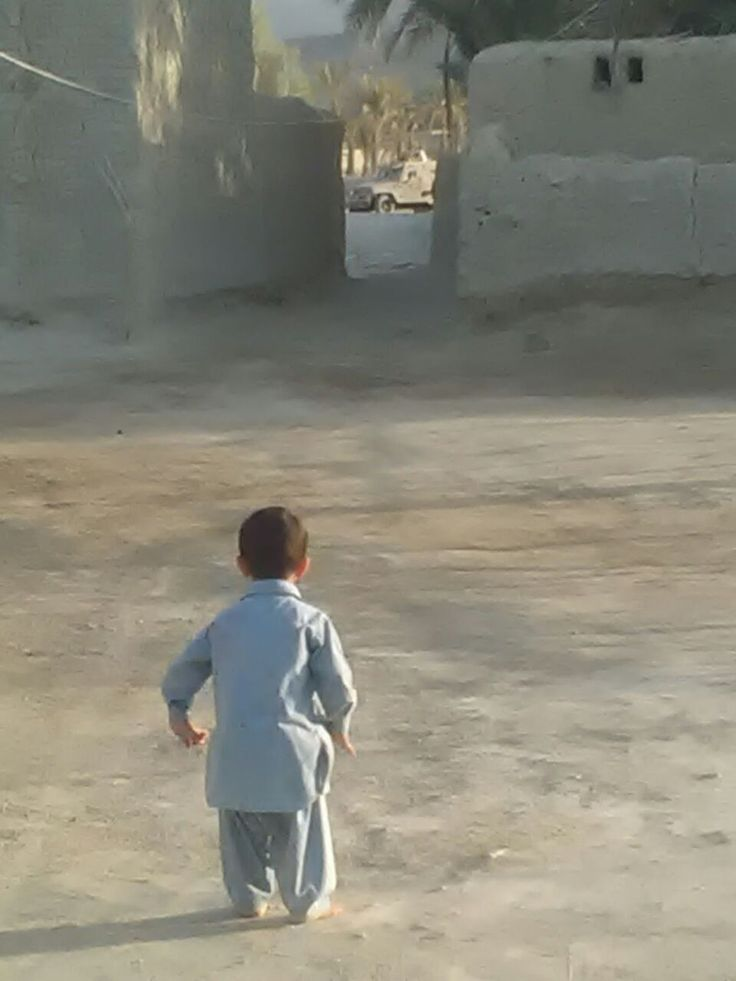 #Media #Oligarchs #MegaBanks vs #Union #Occupy #BLM #Humanity  A #Baloch kid's reaction upon seeing #PakistanArmy armoured vehicle entering in a village in occupied #Balochistan #BalochistanIsNotPakistan   https://twitter.com/a_sherjan/status/823944788638625793