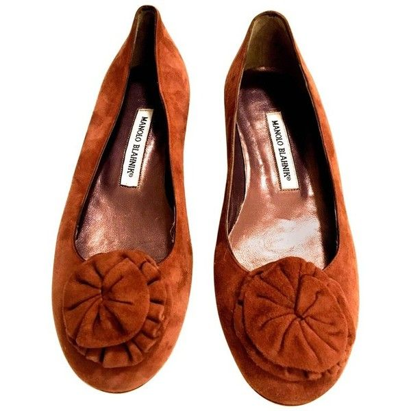Preowned Manolo Blahnik New Flat Shoes Suede With Flower Size 38 ($350) ❤ liked on Polyvore featuring shoes, brown, formal flats, manolo blahnik shoes, brown flat shoes, suede flats and flat shoes