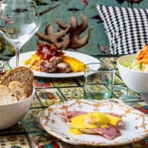 #HotelArtemide suggests for an awesome Brunch: Coromandel Restaurant!!  Via di Monte Giordano, 60 (Navona) Sat-Sun, 11am-3pm Price: à la carte menu  At Coromandel you can order from a tasty range of buffet foods, including bagels, croque madame, pancakes, eggs benedict, and scrambled eggs alongside teas and fruit juices. Your chosen treats will be served on dainty china in the restaurant's cosy setting. This is one of the best in town.