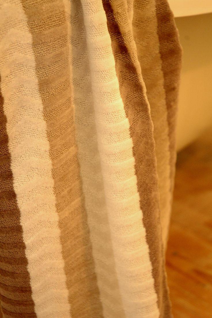 Extra finom tapintású Soletrar beige törölközőnk két méretben rendelhető, már 2900.- Forinttól.