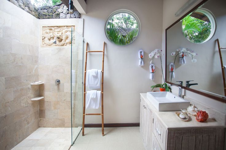 Bathrooms at Villa Ahh are en-suite with bath tub and outside showers.