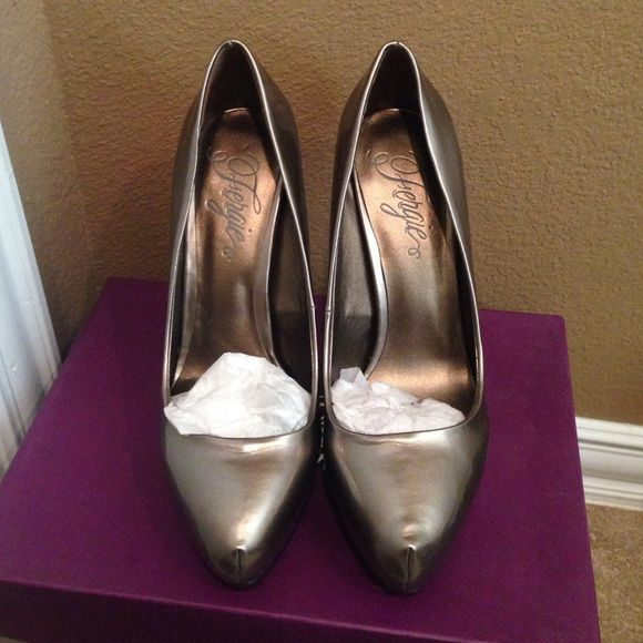 Fergie Shoes 7 1/2 Fergie Bunny, Taupe Shoes (New Shoes) Fergie Shoes