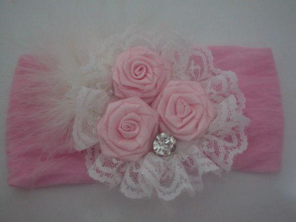 Faixa de meia de seda rosa e flor de cetim rosa R$ 11,61                                                                                                                                                     Mais