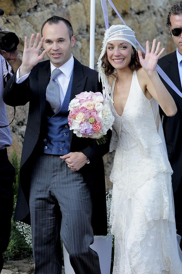 Andres Iniesta's wedding with Ana Ortiz. Love the head piece-veil