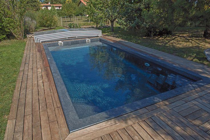 Une magnifique terrasse autour de la piscine. #elliptiksp