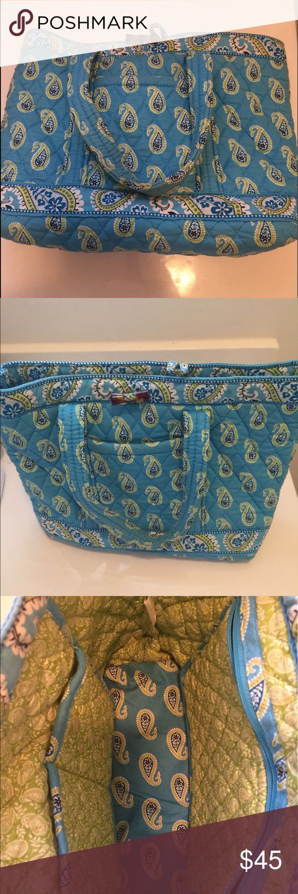 Bermuda blue Vera Bradley tote New low price only for the next hour. Open to offers!!! Blue and green spacious Vera Bradley tote bag Vera Bradley Bags Totes