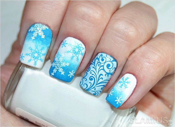Новогодние ногти рисунки снежинок блестки