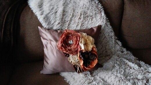 Brown cushion 50 Eur