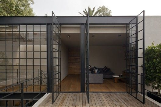 Hill Studio House,© Onnis Luque