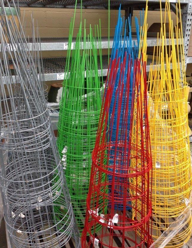 Christmas Lighted Tomato Cage Angel DIY Project Christmas