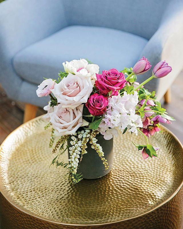 Decor Style⠀ ⠀ The Creative Team⠀ Photography: @callib.photography ⠀ Marquee: @eventsintents ⠀ Styling: @clweddingsandevents ⠀ Flowers: @mondofloraldesigns ⠀ Caterer: @thevanfinestreetfood ⠀ ⠀ #sunshinecoastbrides #sunshinecoastweddings #weddinginspiration #weddingphotography #wedding #weddingflowers #weddingstyling #weddingdecor https://www.instagram.com/p/BZXymZAlGxZ/ Sunshine Coast Brides www.sunshinecoastbrides.com.au