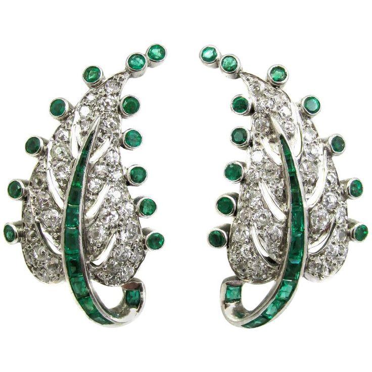 Art Deco emerald and diamond platinum earrings