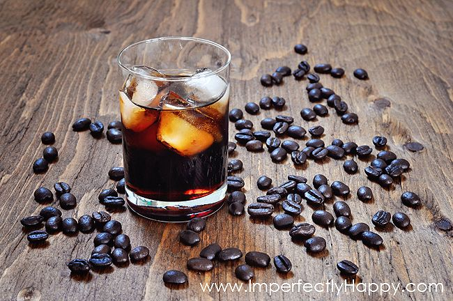 How to Make Coffee Liqueur at Home...just like Kahlua! Great for gifts too!|by ImperfectlyHappy.com