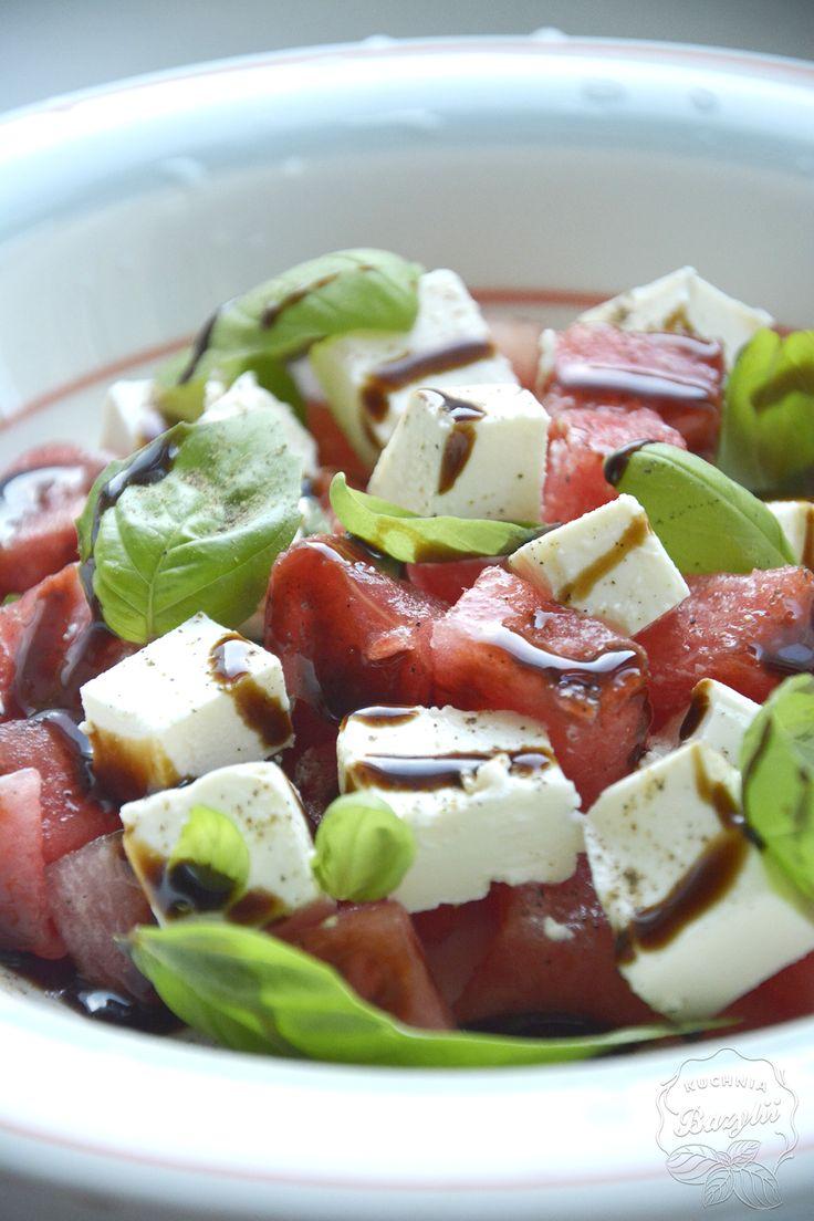 Sałatka z arbuzem, fetą i bazylią