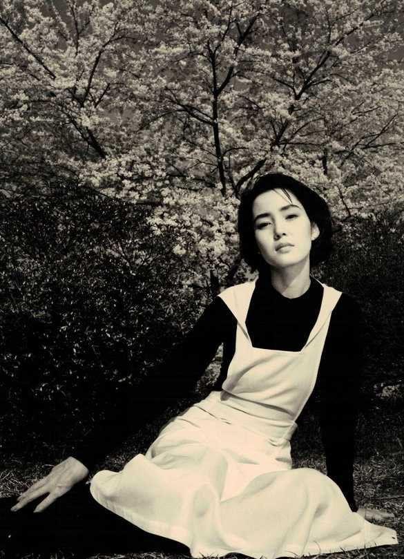 'Water Fruit' Japanese Actress – Kanako Higuchi (b. 1958) Shinoyama Kishin photography Michael (@Canine_Rights) | Twitter