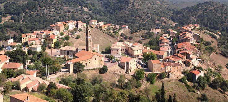 Région de Ponte-Leccia - Moltifao est une commune située dans le département de la Haute-Corse et la collectivité territoriale de Corse. Elle est située dans la microrégion de la Caccia, dont elle est historiquement le chef-lieu. Moltifao - Eglise de l'Annonciation et hameaux de Borgo (gauche) et de Campretti (gauche)