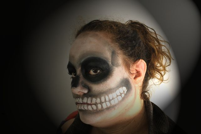 skull facepainting@truecoloursmakeupschool 2013