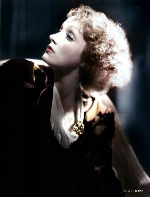 Marlene Dietrich, great color photo of her