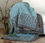 Landlust - German pattern for comfy blanket. Would love this pattern translated to English.