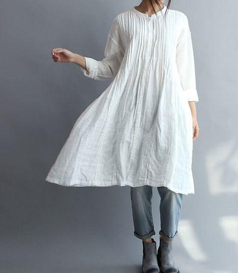 【Fabric】 cotone 【Color】 bianco 【 】 Dimensione Spalla cm 55/21 Busto 102 cm/40 Manica cm 49/19 Lunghezza 95 cm/37 Per eventuali domande vi prego di contattarmi e sarò felice di aiutarvi.