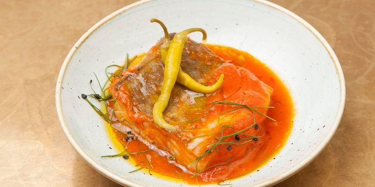Bacalao a la Riojana with crispy garlic
