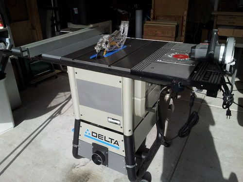 Best 25 delta table saw ideas on pinterest tablesaw outfeed the delta is a good saw and knock on wood i havent had any of the alignment issues many have spoken of however it has some shortcomings with respects greentooth Choice Image